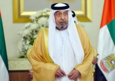 L'emiro di Abu Dhabi fa uscire l'<b>acqua</b> Evian dai rubinetti di casa (ma non ci abita)